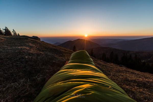 Sonnenaufgang im Schlafsack am Erzkogel