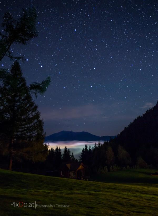 Schneeberg mit Sternenhimmel